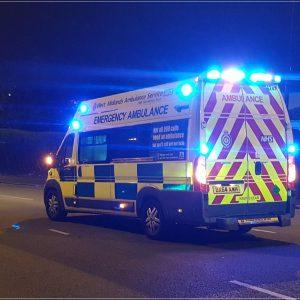 Luz azul, obligatoria en vehículos de emergencia